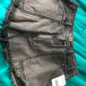 FREE PEOPLE GETFAROUT CUT OFF SHORTS